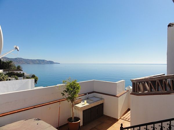 TSR0225 Apartment rentals Nerja Calle Carabeo