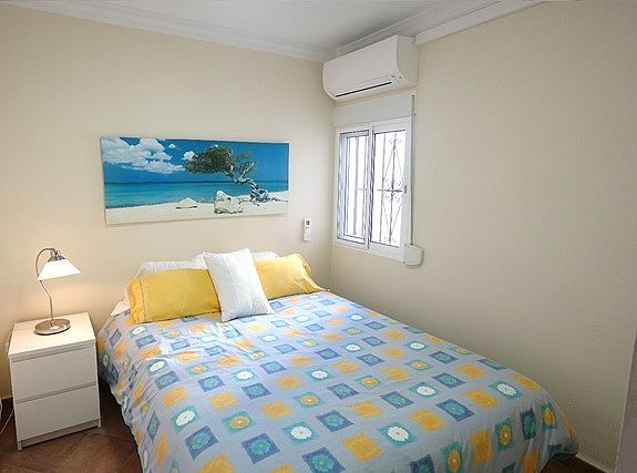 TSR9890 Tuhillo Nerja apartment rental