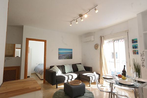 TSR9905 Apartment rentals Nerja Calle Carabeo